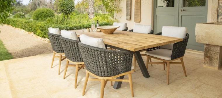 Aménagement table extérieure